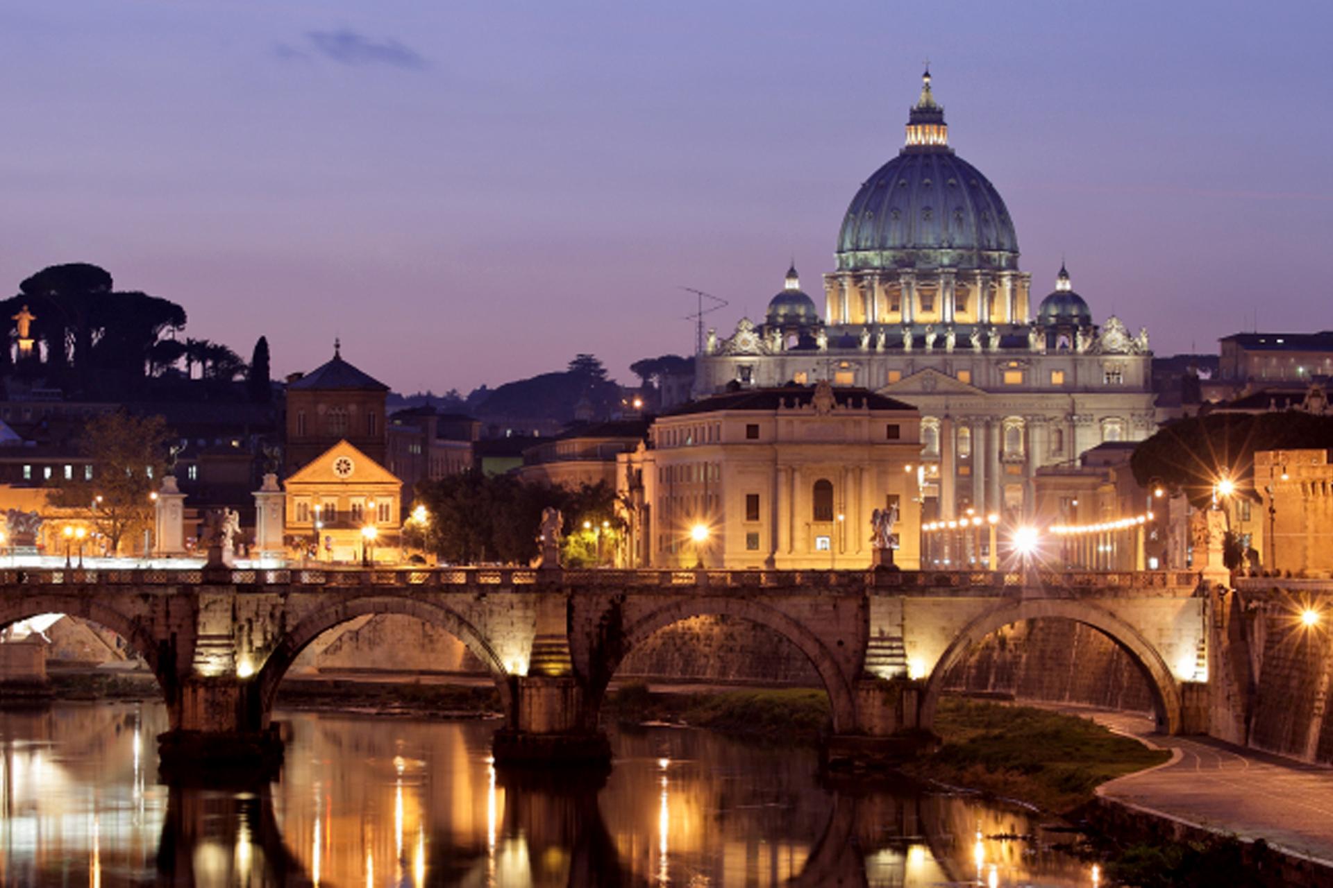 Basilica di San Pietro vista dal fiume Tevere